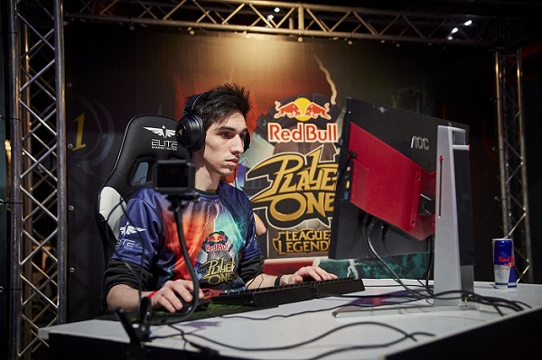 Freeloy, vencedor del Red Bull Player One, representará a España en la final internacional de Brasil